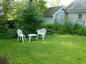 Seating at Memorial Garden, credit Diane Nassif
